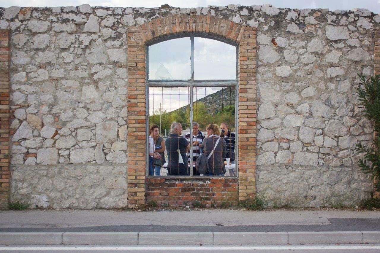 Poziv za umjetnicke intervencije u Slavonskom Brodu