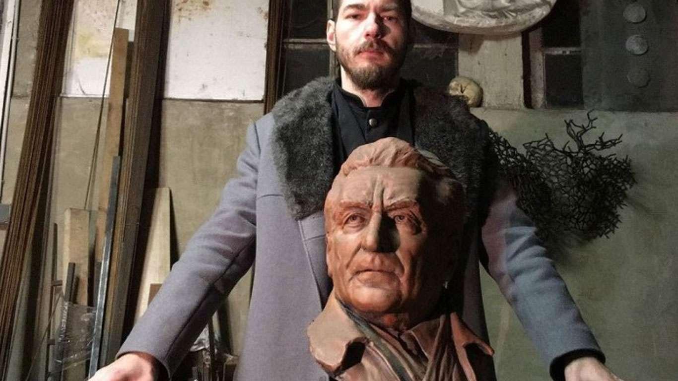 Nikola Vudrag : Tribina : Spomenik i skulptura
